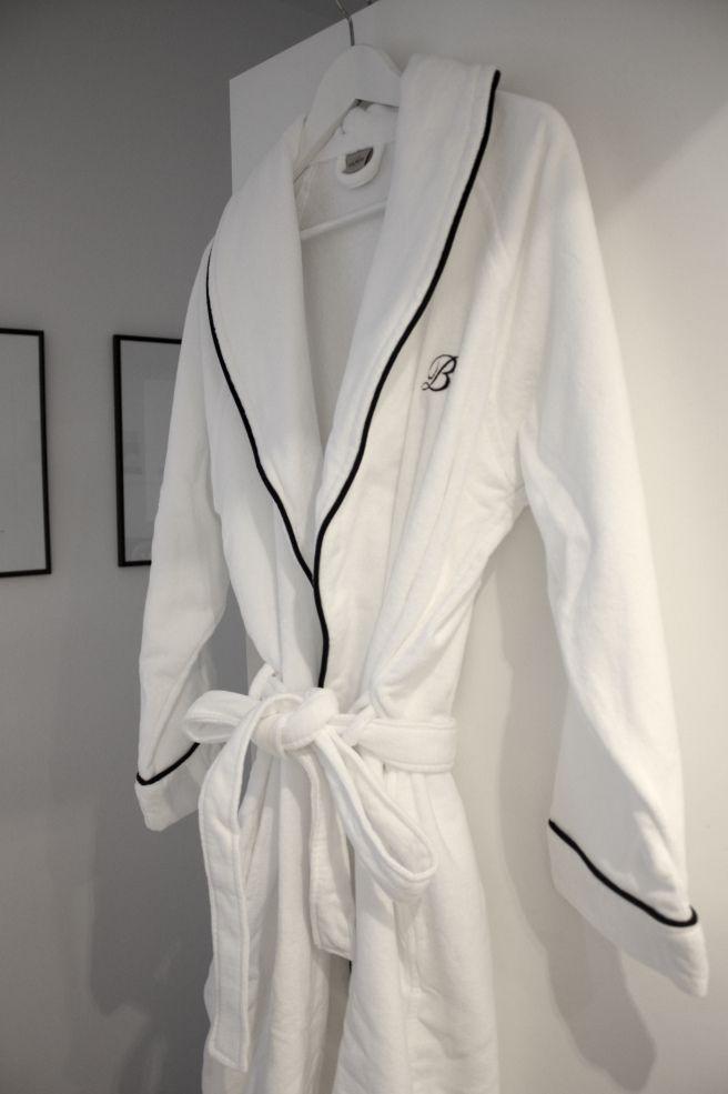Homevialaura | Five star hotel at home | Balmuir Portofino | white robe