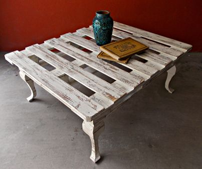 pallet coffee table...shabby chic?