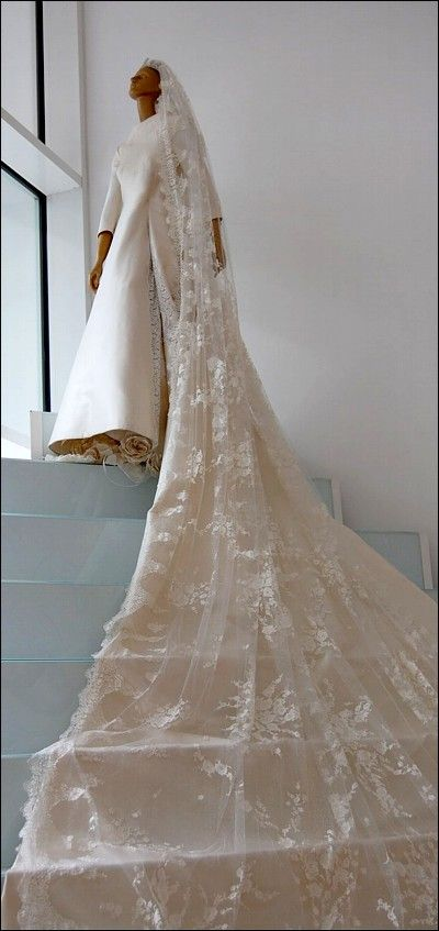 Crown Princess Maxima wedding dress
