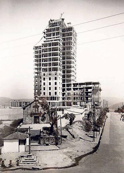Vigo, ciudad olívica. Fotos antiguas. Construcción de la Residencia Sanitaria Almirante Vierna
