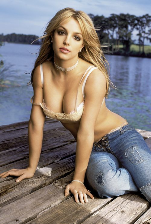 Iconic: Britney Spears Pictures • Posts Tagged '2002'. Very Beautiful lady anytime.