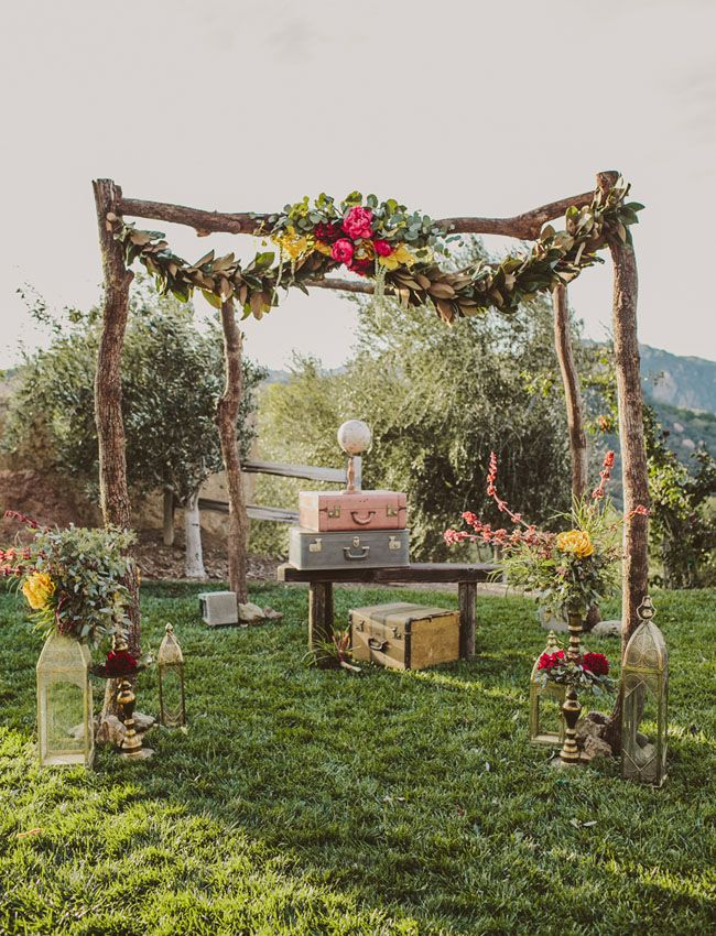 Floral and Greenery Garland Wedding Decoration | fabmood.com #garland #weddingceremony