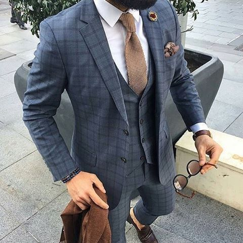 We love suits so much that we dedicate this board to incredible styles and icons www.memysuitandtie.com/ #menfashion#suit#gentlemen