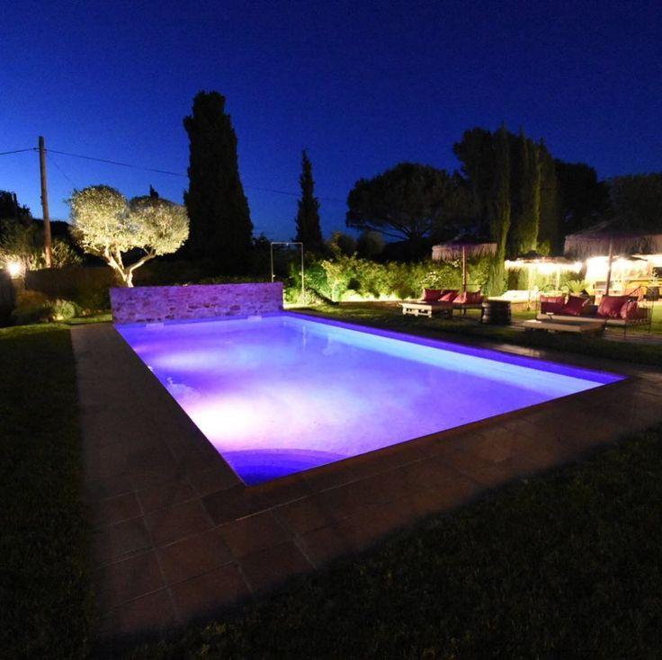 Un baño en lila para una noche magica #hotelesconencanto #emporda #boutiquehotel