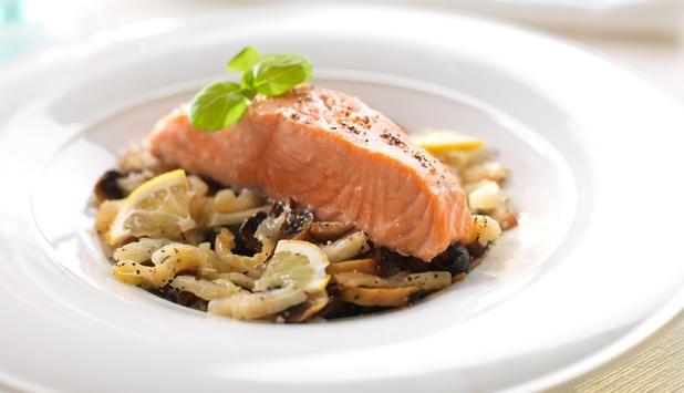 Du kan også bruke filet fra annen fisk, som ørret, torsk eller steinbit. #fisk #oppskrift