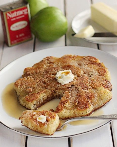 Apple Crumble Pancakes by thehopelesshousewife