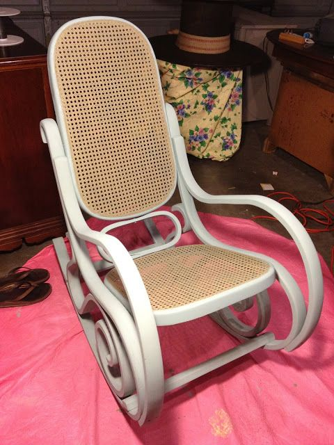 418cc54197e6c192209bff9d26a0fe51--bentwood-rocker-rocking-chairs.jpg