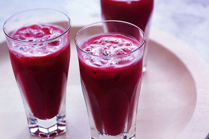 This healthy carrot and beetroot drink is perfect for strengthening the immune system.