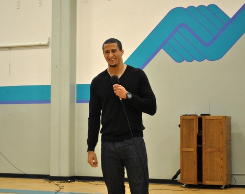 Kaepernick visits the Club ♥ Colin Kaepernick, San Francisco 49ers quarterback, made a special visit to the Boys & Girls Club of Truckee Meadows. Kaepernick worked at the Club while attending the University of Nevada and promised to return to visit Club members. He delivered a positive and inspirational message while answering questions from Club members. It was a great day at the Club.