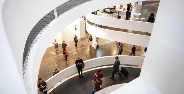 Mais de 120 galerias, nacionais e internacionais, expõem trabalhos de 2.000 artistas no Parque do Ibirapuera, em São Paulo. Programe-se para não perder.  #sparte2016 #arte #cultura #arquitetura #design #saopaulo #brazil