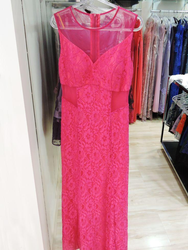 Os vestidos para as mães dos noivos e madrinhas, você encontra aqui no Coral Gables do Shop São José. – PISO L1