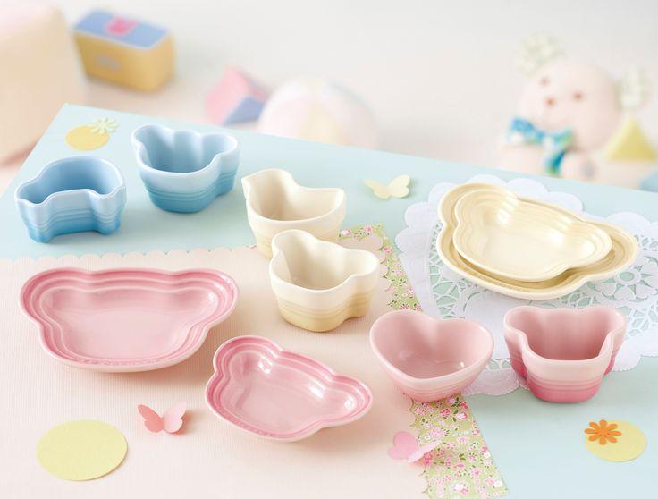 【Le Creuset Baby 2013年秋冬】 かわいらしい動物をモチーフにした小皿やラムカンは、ギフトはもちろんご自宅用にもおすすめです。いずれも3色展開ですので、お好みや性別に合わせてお選び下さい。 http://ow.ly/pFopi
