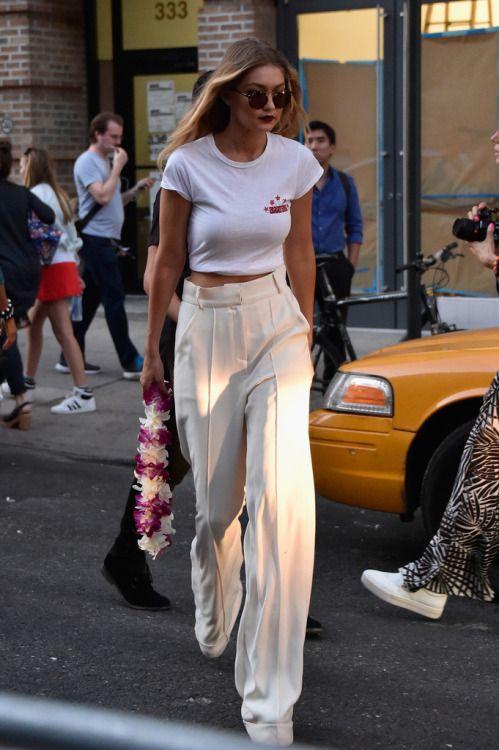 Gigi Hadid // Street Style  Wide Leg Trousers