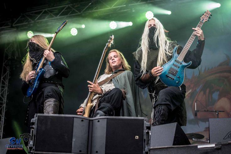 Twilight Force Photo by Swen Heim, SH Livepics  Rockharz 2016  #TwilightForce #music #metal #concert #gig #musician #guitar #guitarist #bass #bassist #Lynd #Born #Aerendir #elf #ninja #mask #blond #longhair #cape #festival #photo #fantasy  #cosplay #larp #man #onstage #live #celebrity #band #Sweden #Swedish #Rockharz