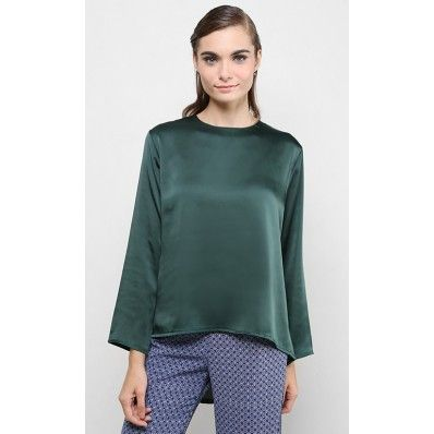 FV 89rm Laila Satin Fishtail Top in Green