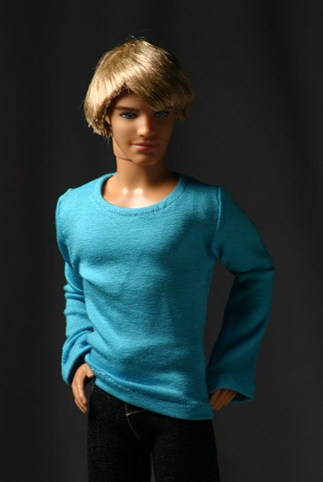 Ken T-shirt: It's a slinky, long-sleeved T-shirt. (Ken clothes)