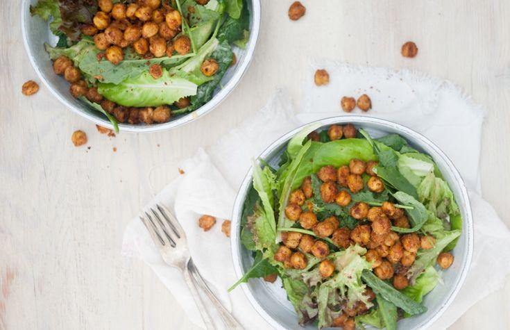 Garlicky Salad with Crispy Chickpeas