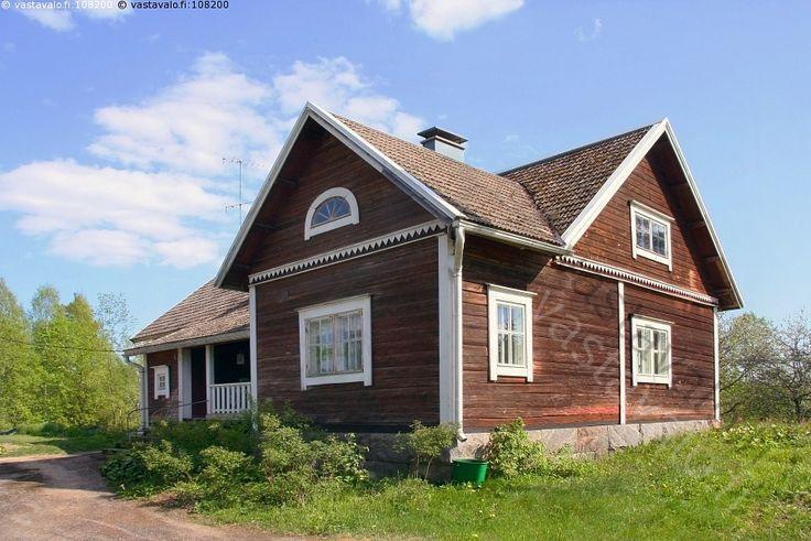 Vanha hirsitalo 1900-luvun alusta - talo asunto arkkitehtuuri asuminen omakotitalo  talonrakennus rakentaminen hirsi hirsitalo hirsirakennus rakennushistoria vanha tyylisuunta rakennuskulttuuri