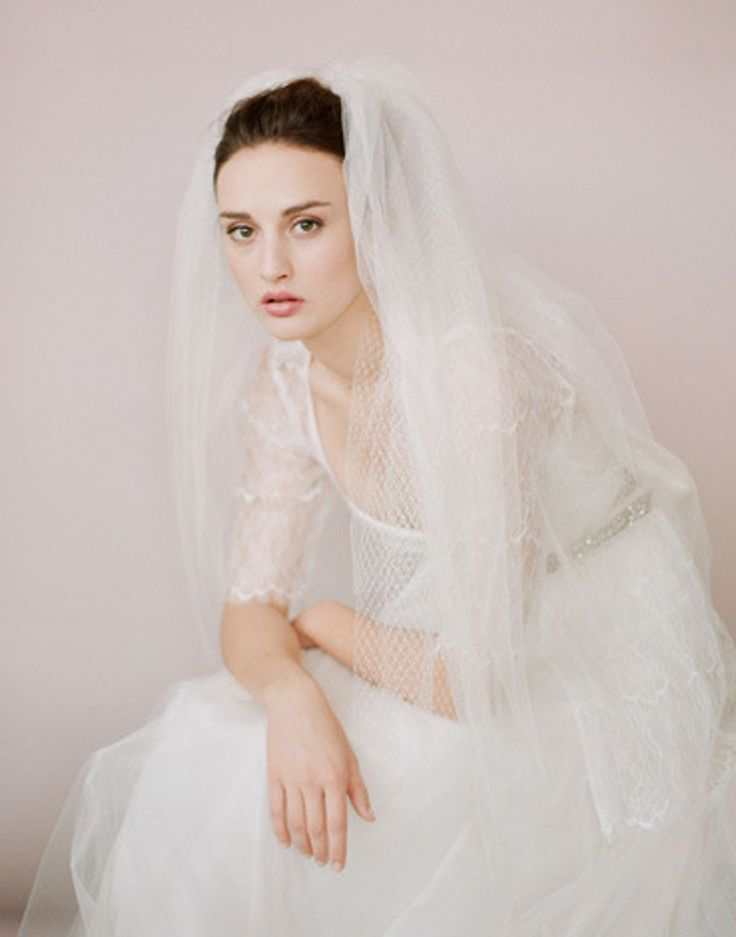 Vintage Wedding Veil With Metal Comb Two Layers Tulle Fashion Bridal Veils Bride Hair Accessories Veil