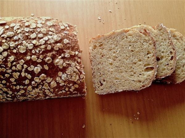 Pan de molde de trigo integral y copos de avena