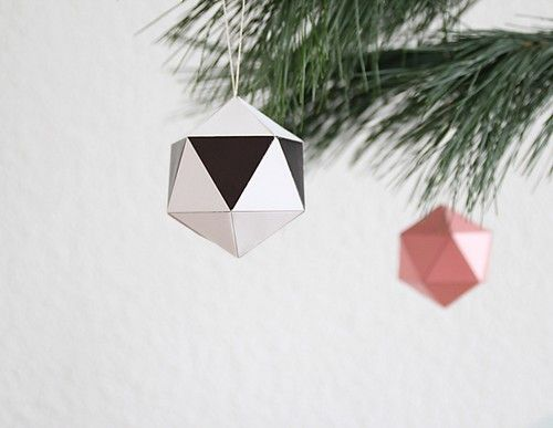 snug_christmas_balls-DIY-Origami-Ornament-Decoration-Sapin