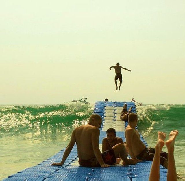 Floating Dock system: Beaches, Idea, Buckets Lists, Awesome, The Ocean, Fun, Waves Rider, Floating Dock, The Waves