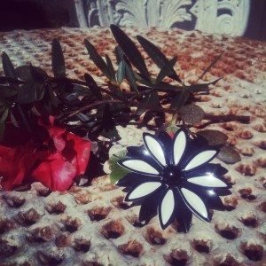 vintage black and white flower brooch pin