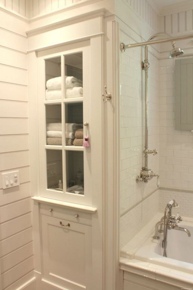 Rustic Farmhouse Bathroom Ideas with Shower 30 - HomeKemiri.com