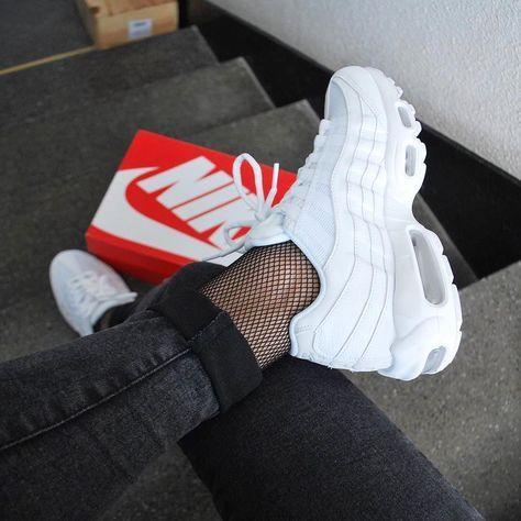 Sneakers women - Nike Air Max 95 triple white (©katiamyrs)