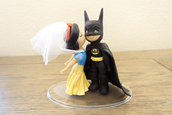 Blanche-neige et gâteau Batman. Gâteaux de mariage. par PlayCraft