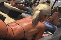 Ελληνίδα MILF στην παραλία με κορδόνι! (ΦΩΤΟ)