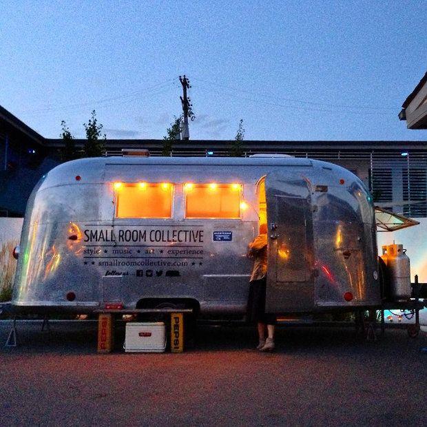 旅暮らしのエアストリームは、作り手の想いをのせたセレクトショップ「Small Room Collective