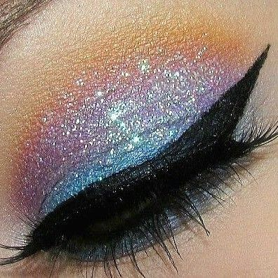 Gorgerus #blue #glitter #eyeshadow from @stylexpert