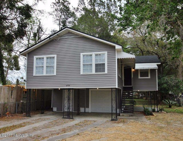 This 2 story home ... on the Northside is move-in ready! Wood-like floors throughout; kitchen is equipped with matching refrigerator and range. There is a washer/dryer hook up. 1 car garage and 2 car carport.