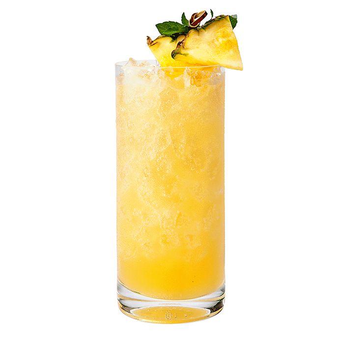 Mango Frappe: Patrón Citrónge Mango Ultimat Vodka Pineapple juice ...