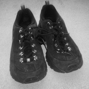 I just added this to my closet on Poshmark: Black Sketchers Sneakers. Price: $30 Size: 8