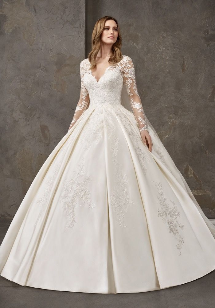Pronovias Privee Niquel Embellished Long Sleeves Royal Satin Ball Gown Designer B Wedding Dress Long Sleeve Princess Wedding Dresses Long Wedding Dresses