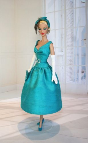 Antoinette-for-Silkstone-Barbie-FR-and-Victoire-Roux-OOAK