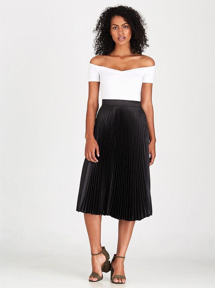 STYLE REPUBLIC Pleated Midi Skirt Black