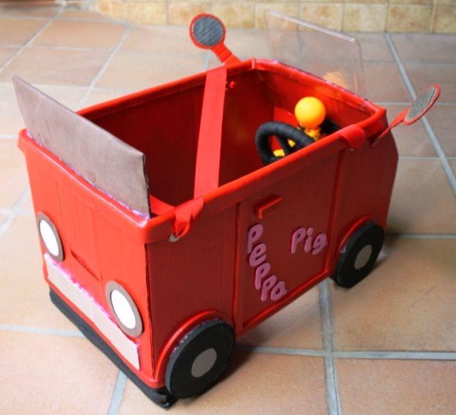 """CHEAParty: Disfraz coche Peppa Pig de cartón realizado por """""""