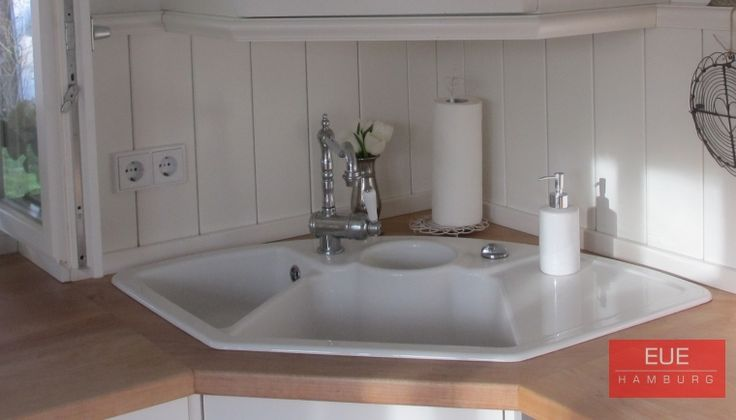 die besten 25 ecksp le ideen auf pinterest kleine k chensp le sp le wasserh hne und h tte. Black Bedroom Furniture Sets. Home Design Ideas