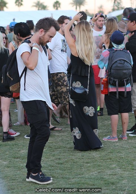 Aaron Paul Celebrities spotted at the annual Coachella Valley Music and Arts Festival http://www.icelebz.com/events/celebrities_spotted_at_the_annual_coachella_valley_music_and_arts_festival/photo1.html