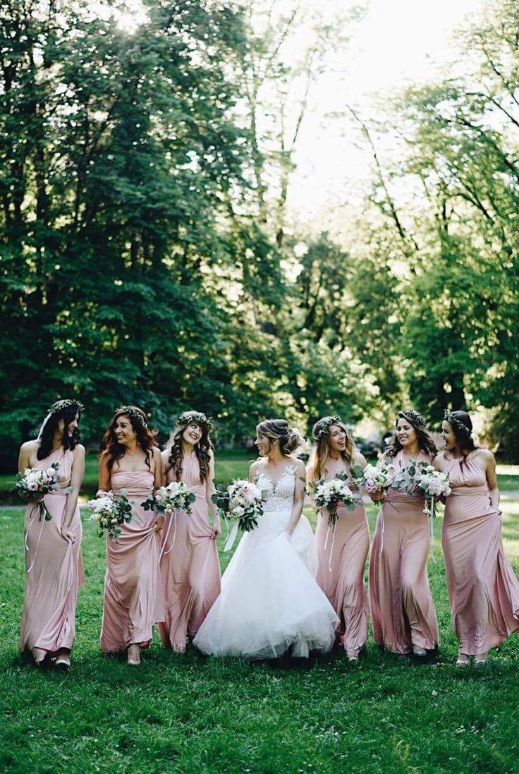 My best friends and my most beautiful bridesmaids💕