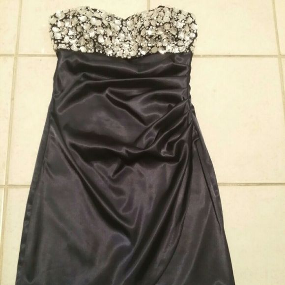 Evening dress In good condition, perfectly sexy.  Hugs your sexy body.  No missing beads.  Wore once.  Dark blue color. B. SMART  Dresses