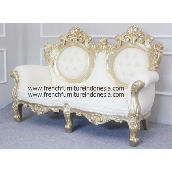 Order Majestic 2 seater From Painted Furniture. We are reproduction 100 % exporter Furniture manufacturer with French furniture style and high quality Finishing. #GoldFurniture #HomeFurniture #WholesaleFurniture #FurnitureWarehouse #JeparaFurniture