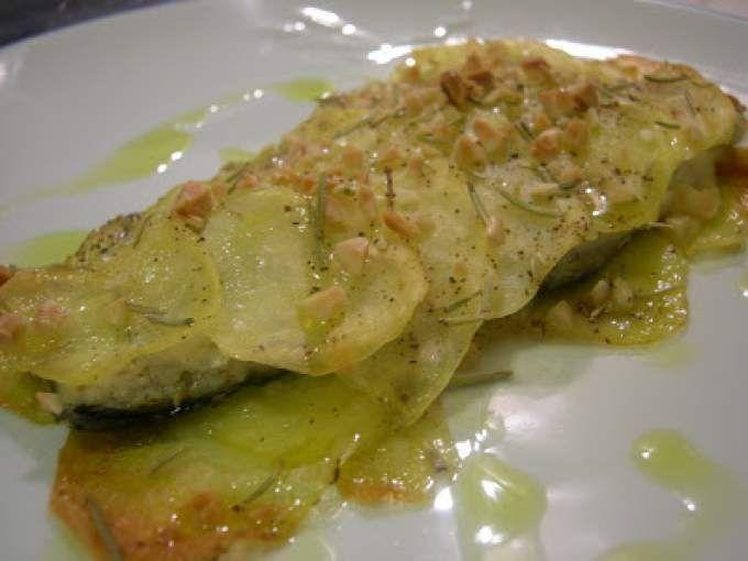 Filetto di Spigola in crosta di patate e mandorle