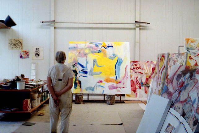#BeyondWorkingSpace Willem de Kooning in his studio