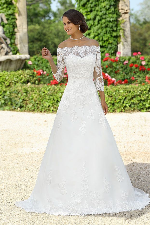 Wedding dress Cailly from the Emma Charlotte collection
