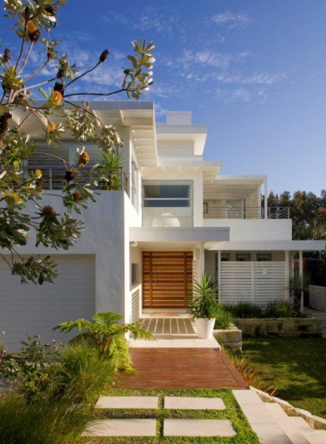Flat roof ideas aussie shield pinterest for Beach house roof designs