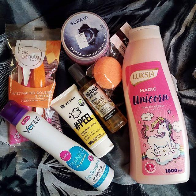 Dzien Dobry W Niedziele Ostatnio Pokazywalam Nowosci Ktore Dostalam To Teraz Czas Pokazac Jakies Moje Zakupy Rossmann Soraya Odz Shampoo Bottle Bottle Venus